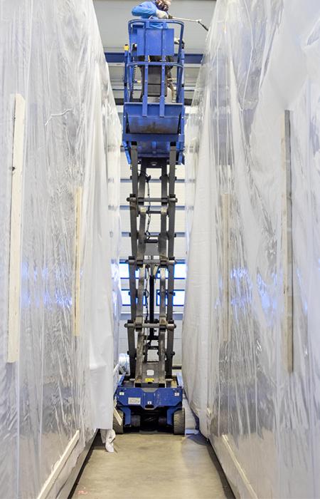 Esivalmistettu tekninen tila lisää tehokkuutta rakentamiseen. Rakennamme konehuoneet valmiiksi tiloissamme. IV-kontti on heti toimintavalmis.